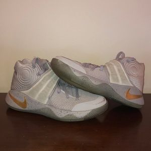 b021f1feb74 Nike Shoes - Nike Kryrie 2 battle Grey pack